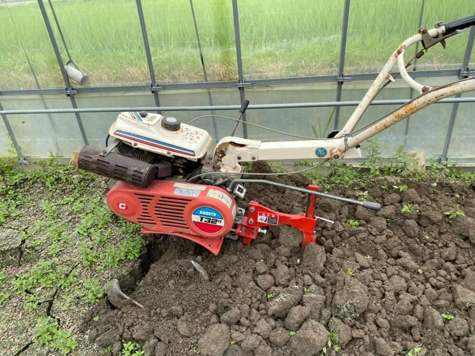 土壌消毒に備えて耕しました